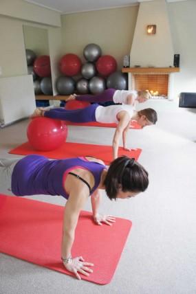 Ασκήσεις με τη Φοίβη Λαδά στο Pilates Yoga Wellness Studio   Παπάγος - Χολαργός - Ψυχικό - Αγ. Παρασκευή